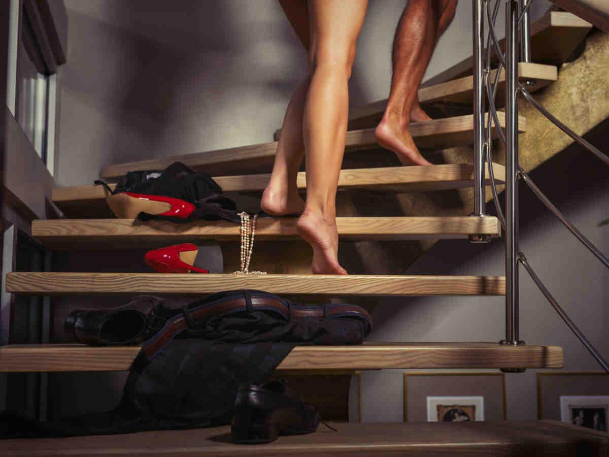 Comment pratiquer le nudisme chez soi sans que personne ne le sache